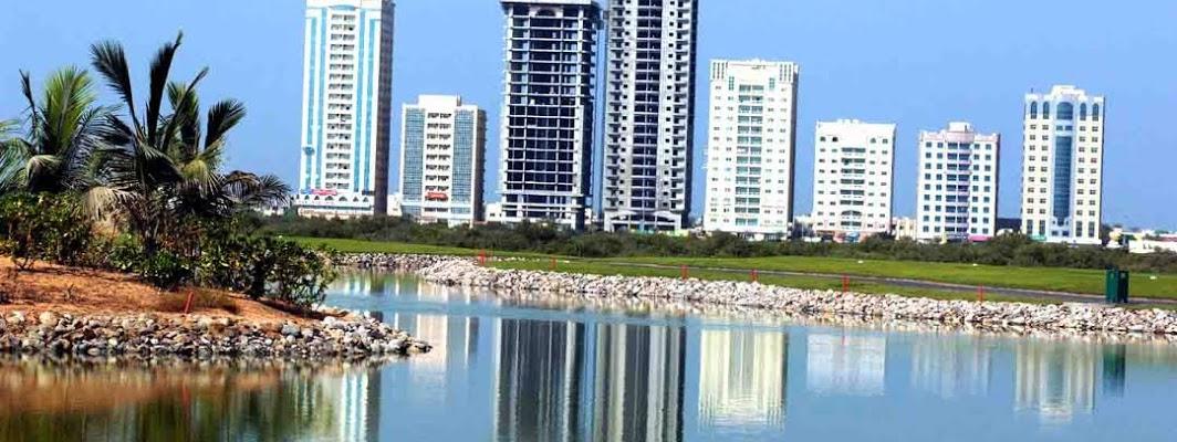 Ras al-Khaimah City in the United Arab Emirates · Photo: Panoramio